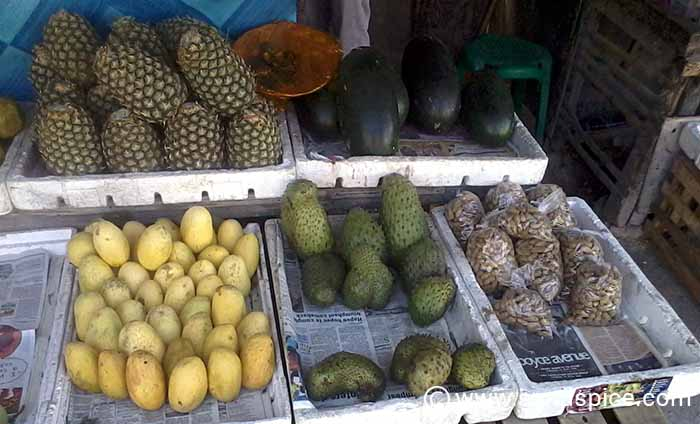 Mangoes in Moalboal - Local Fruit