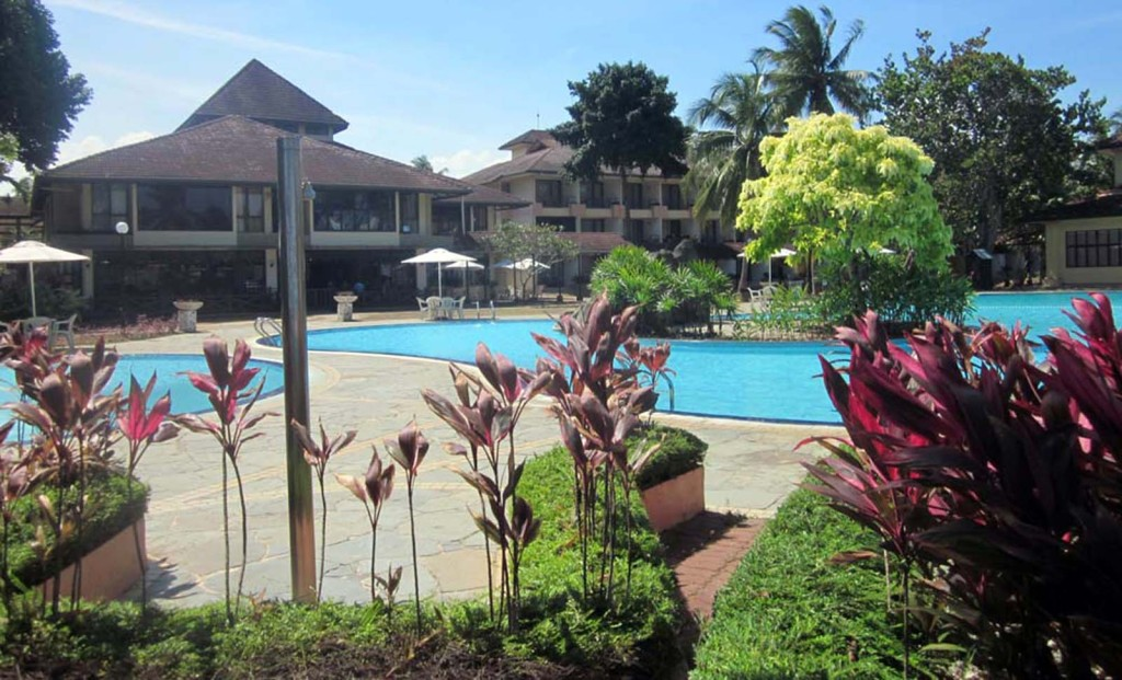 Cherating accommodation: the Legend or Yahya's Payung Guesthouse?