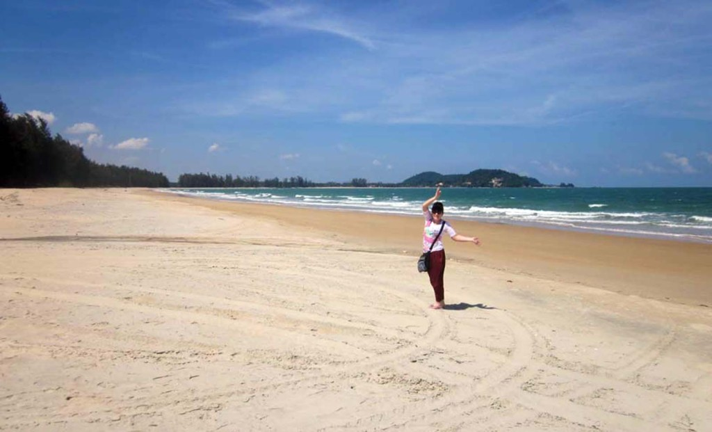 Where to stay in Cherating: the Legend or Yahya's Payung Guesthouse?