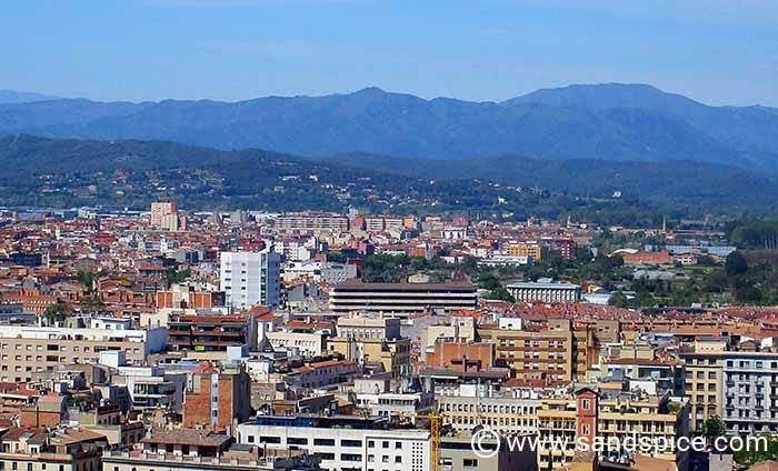 Girona transfers from airport and onwards to Barcelona