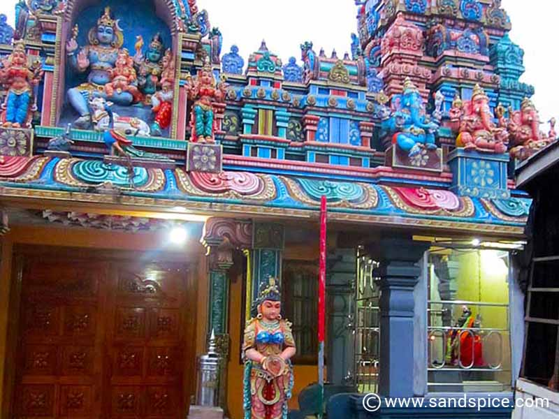 For a Muslim town, there are severalHindu temples