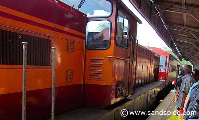 World's End Sri Lanka - Haputale Train World's End