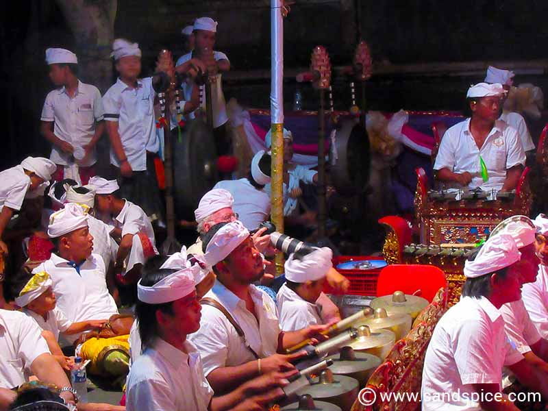 Ubud Bali Royal Palace - Music & Dance