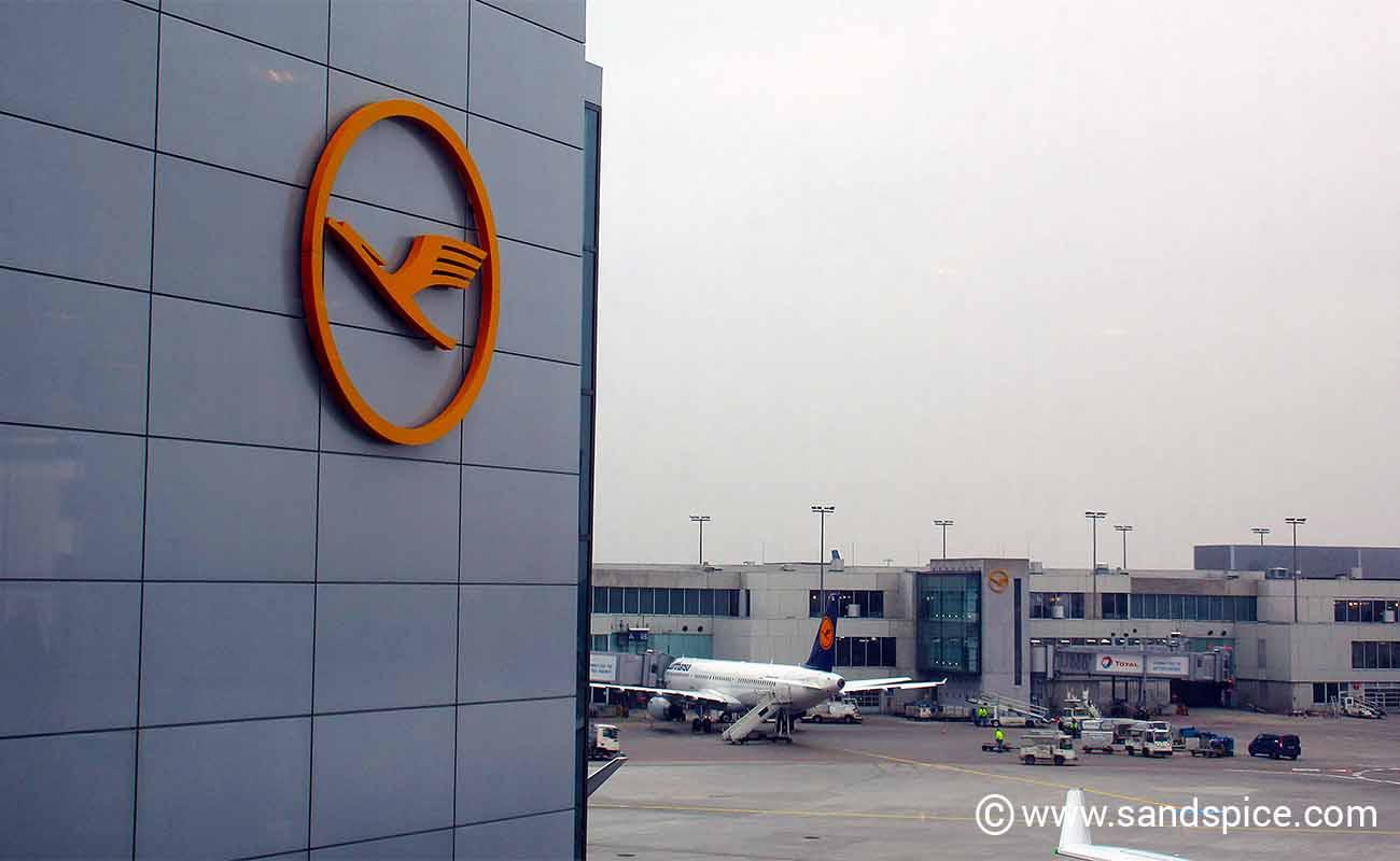 Lufthansa longhaul inflight experience: Amsterdam-Frankfurt-Bogota-Panama