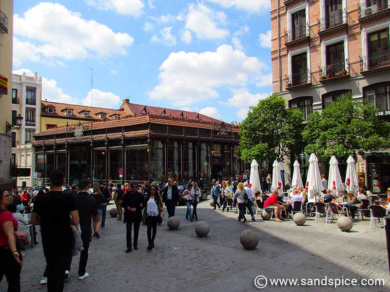 Arriving late evening at Madrid airport & transfers to city centre hotel