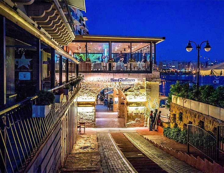 Restaurants: 50 m - Malta Penthouse Apartment For Sale – Seafront Property, Spinola Road St Julians