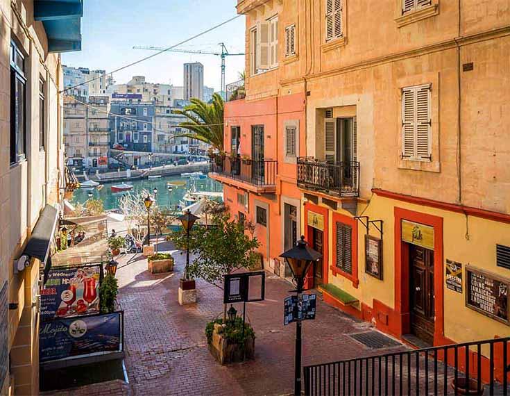 Bars & Cafes: 30 m - Malta Penthouse Apartment For Sale – Seafront Property, Spinola Road St Julians